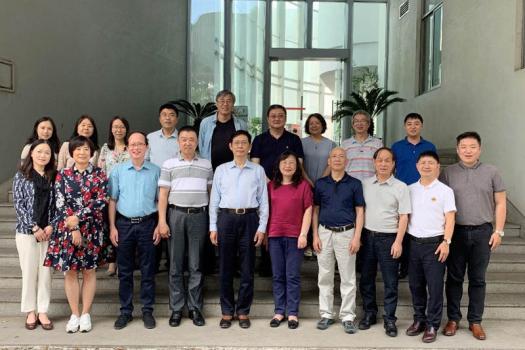 《中国物料搬运装备产业发展研究报告》 (2018-2019)编委会在上海召开